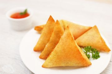 MO Chicken Samosa per piece