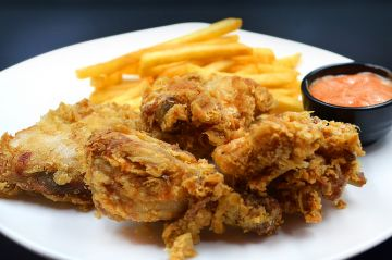 Fried Chicken (2 Pcs) (with Fries & Lamonade)